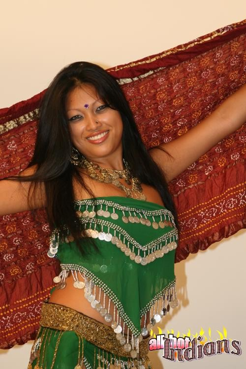 Стриптиз от индианской тётки